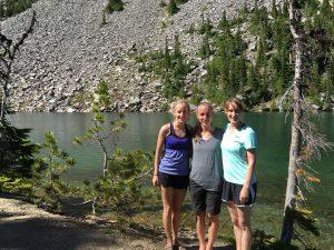 sisters-hiking